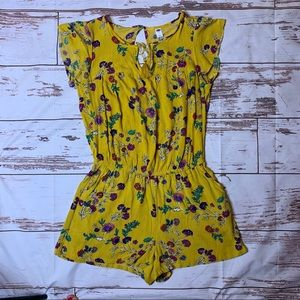 Old Navy Romper Mustard with flowers  size Medium
